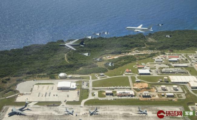美日澳出动上百架战机军演 B52领衔编队出动