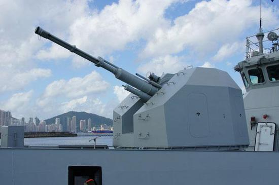 054A76毫米舰炮搬上10轮步战 射速高达每分钟300发
