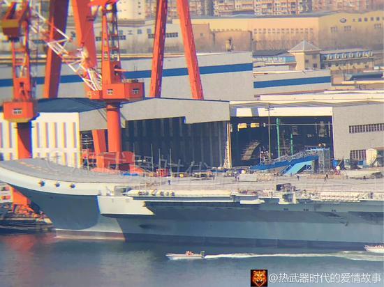 国产航母新变化 舰岛相控阵雷达区域又搭脚手架