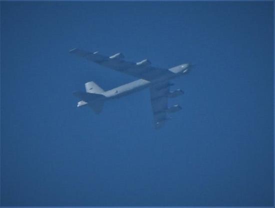 """威慑俄罗斯?美军多架B-52H战轰""""两面夹击""""俄本土"""