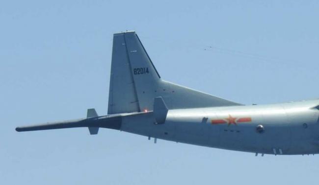 日称中国反潜巡逻机东海海域盘旋 浑身天线