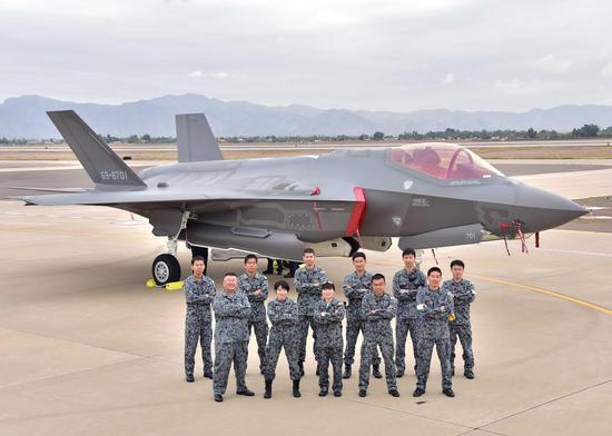 美国比日本还着急 先后派多种战机搜索坠毁F35A残骸