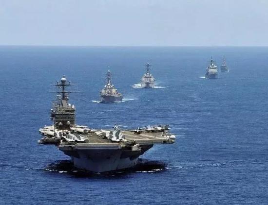 大战一触即发?美出动核航母轰炸机 伊朗不惧心理战