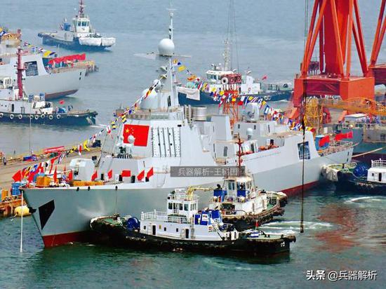 中国第20艘052D换装新型反隐雷达 或搭载舰载型直20