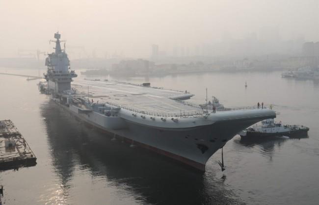 中国航母被曝惊人缺陷 专家:无法与美航母相比