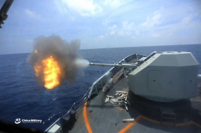 国产导弹护卫舰南海实弹演习 火力全开