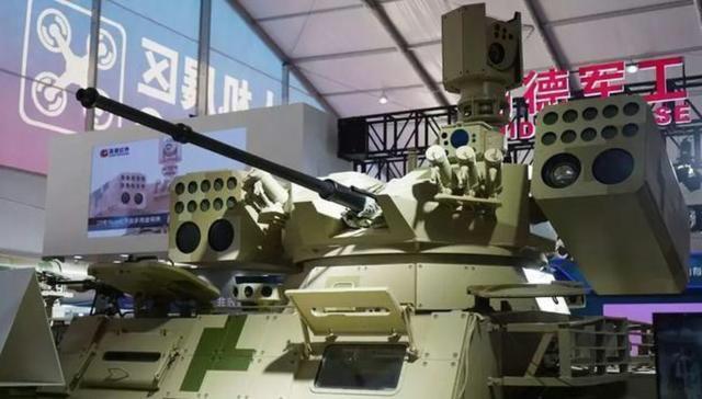 """中國""""導彈坦克""""誕生載28枚導彈 中東富國很感興趣"""