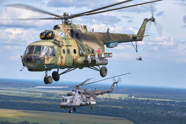 俄海军航空兵直升机备战海军节阅兵