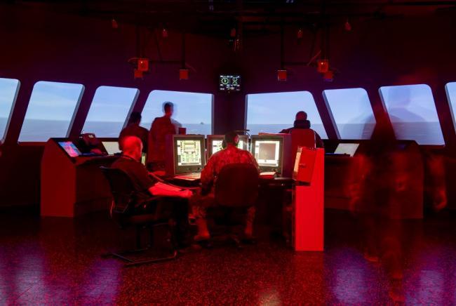 大型游戏机?美军用VR技术培训海军操作技能