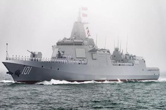 张召忠评日本新神盾舰下水:在中国055面前黯然失色