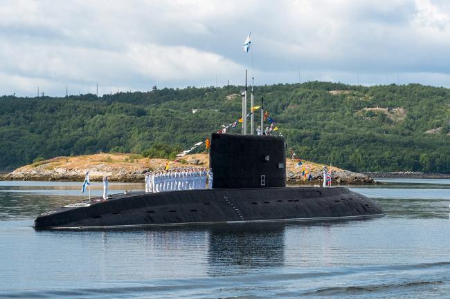 俄海军多地准备海军节,核潜艇亮相