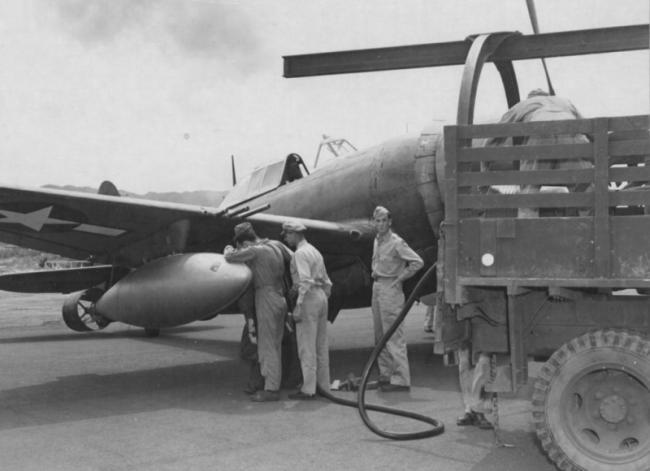 美军二战时的多用途油箱:既可供油又当炸弹