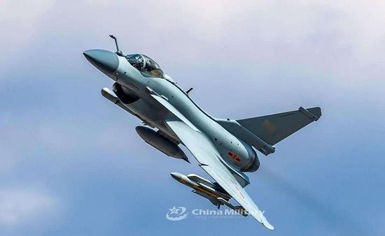 解放军歼10B挂载鹰击91导弹曝光 或接班苏30这一任务