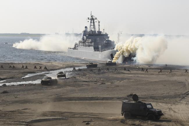俄海军北极两栖演习 大型登陆舰亮相