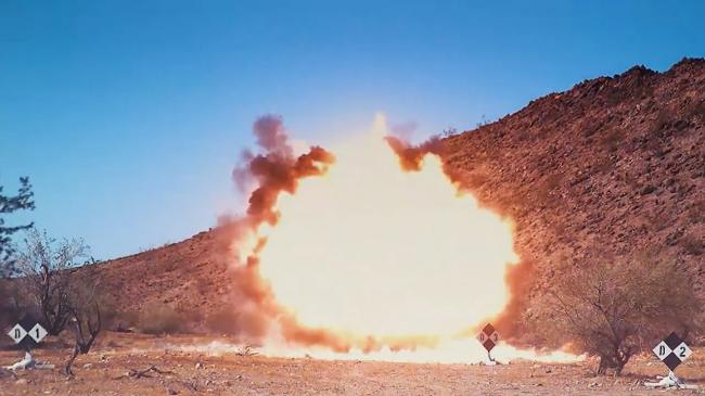美军阿帕奇试射新型导弹 远距虐杀坦克