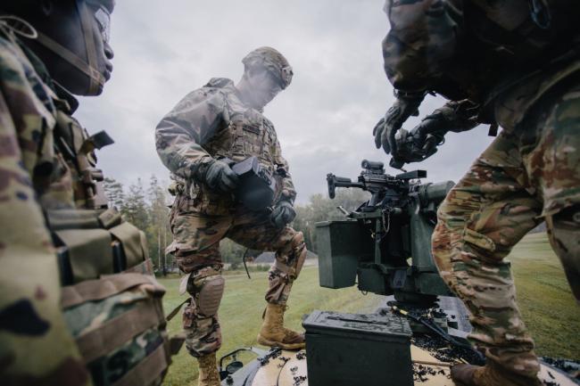 美陆军新型遥控武器站 可操控各类机枪